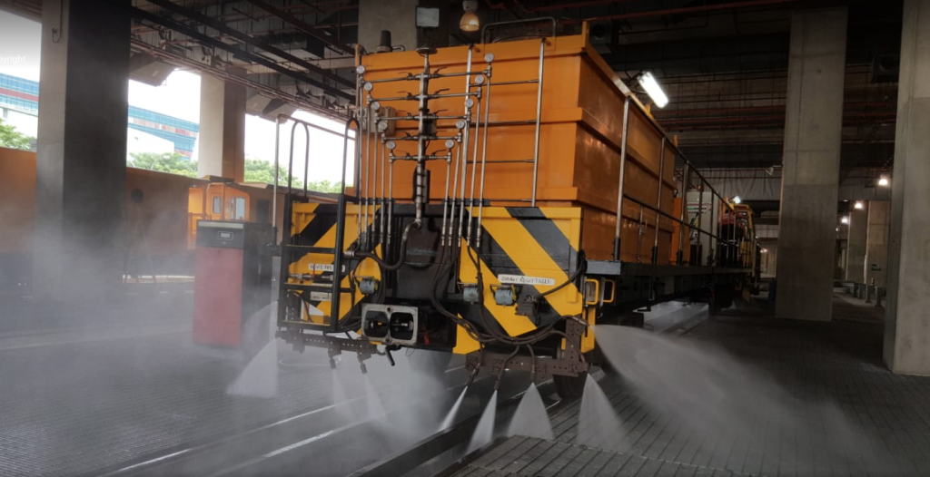 train-track-cleaning-water-blasting-image-2